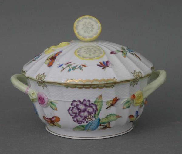 Soup tureen, lemon knob - Museum Victoria