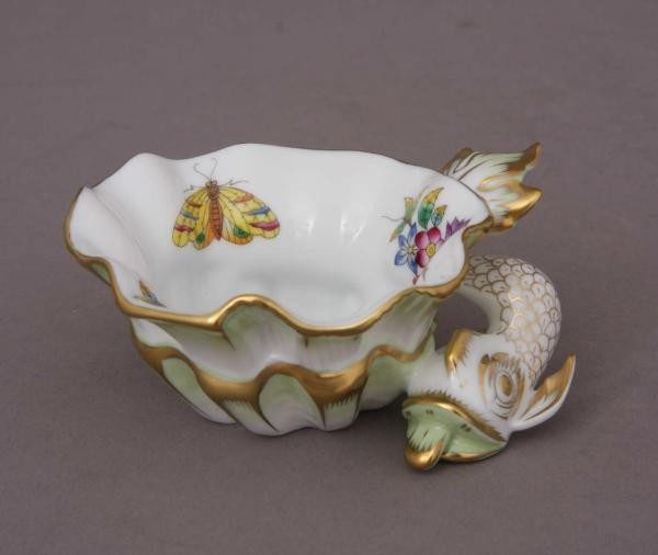 Ornamental Cup - Queen Victoria
