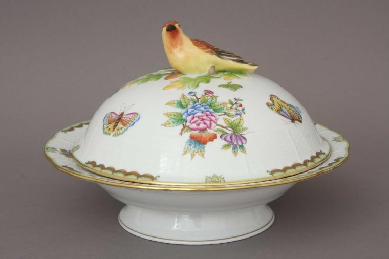 Vegetable dish, bird knob - Queen Victoria