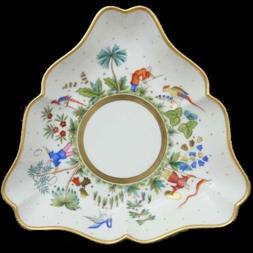 Triangle Dish - Oriental Showmen