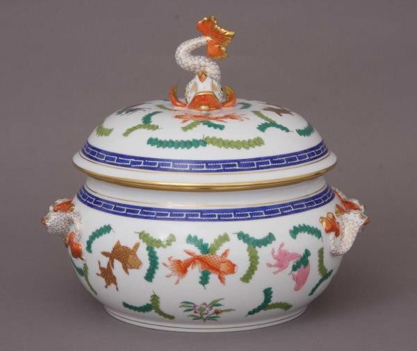 Soup tureen, dolphin knob - Chinese Fish