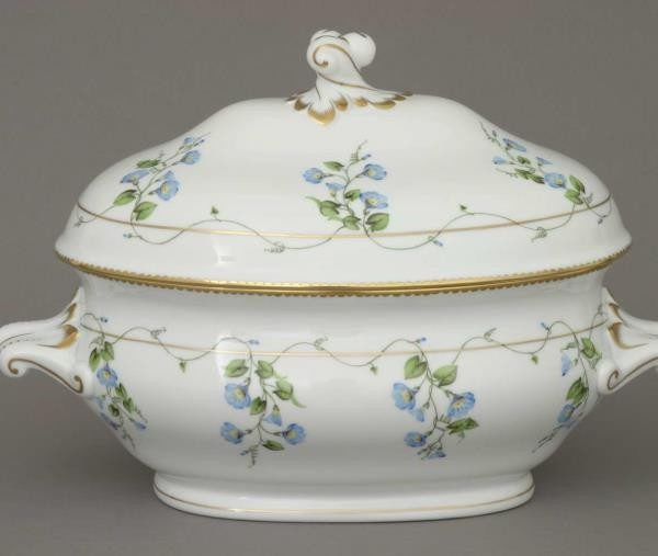 Soup tureen, branch knob - Morning Glory