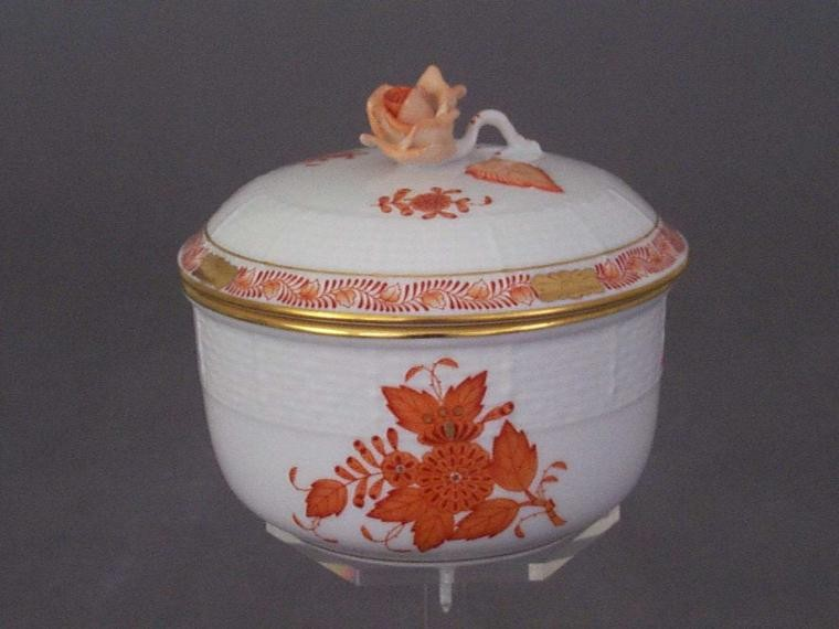 Sugar basin, rose knob - Chinese Bouquet Rust