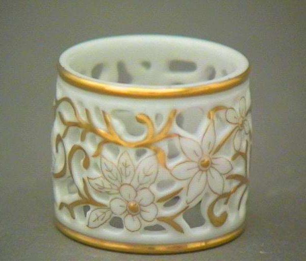 Napkin ring -gold-pierced