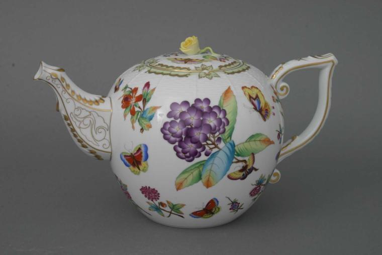 Teapot, rose knob - Museum Victoria