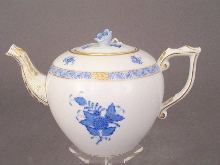 Teapot, rose knob - Chinese Bouquet Colors
