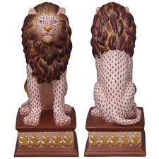 Lion on Pedestal - Limited Edition (250 pcs)