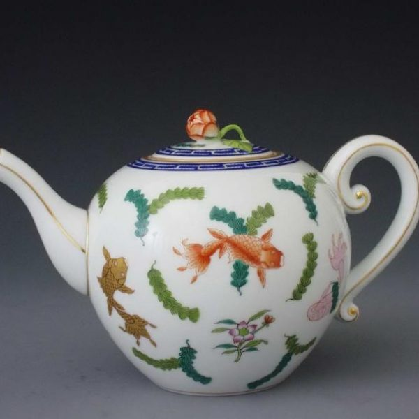 Teapot, butterfly knob - Chinese FIsh