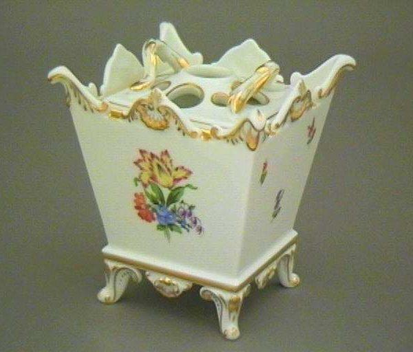 Flowerpot, with pierced lid