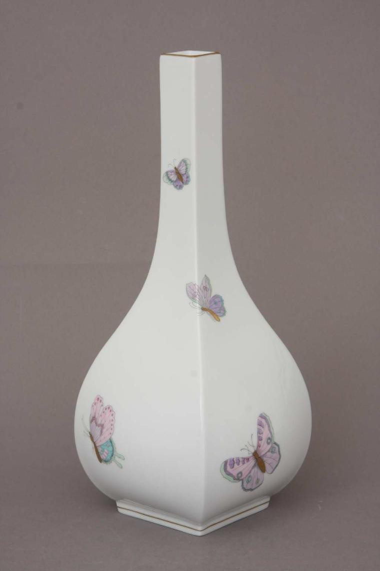 Modern Vase (Assorted Decors)
