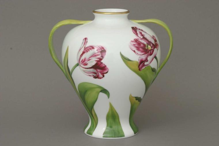 Vase, w. tulip leaf handle