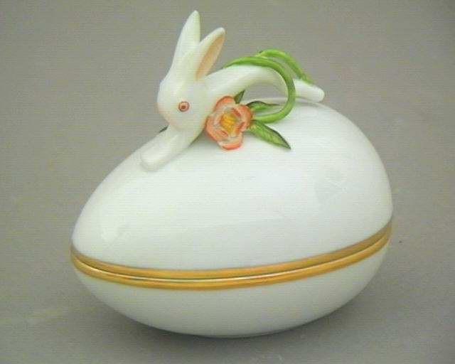Bonbonniere, Egg-shaped, Rabbit Knob