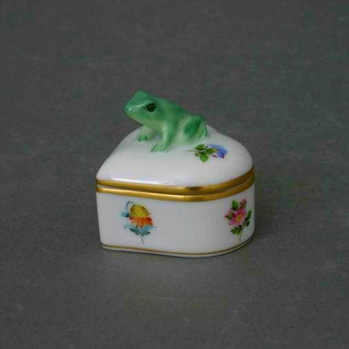 Bonbonniere, Frog Knob