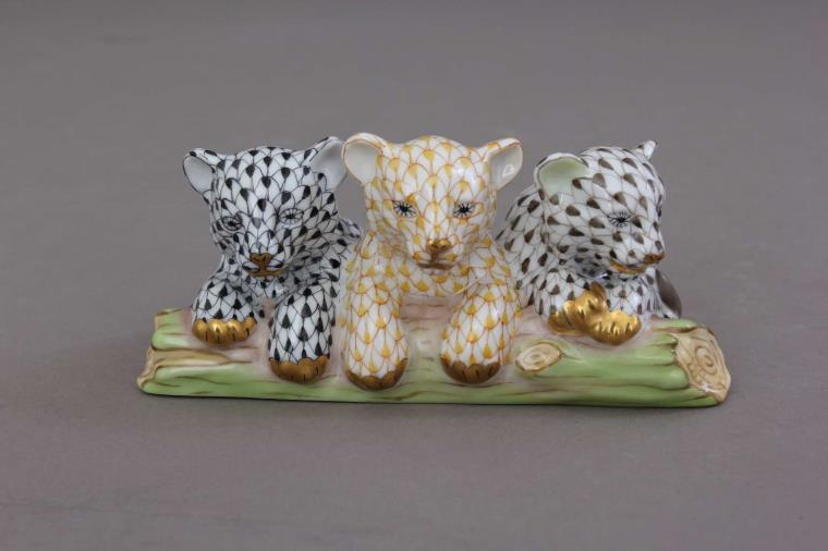 15931-0-00 VHY-11+C Baby Siberian Tigers Figurines