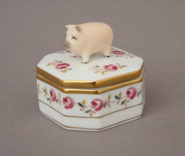 Fancy box, pig knob