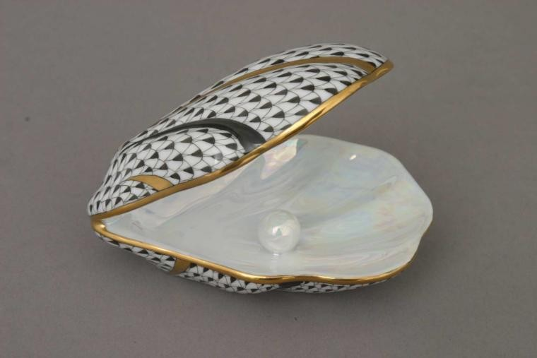 Shell with Pearl - Assorted Decors