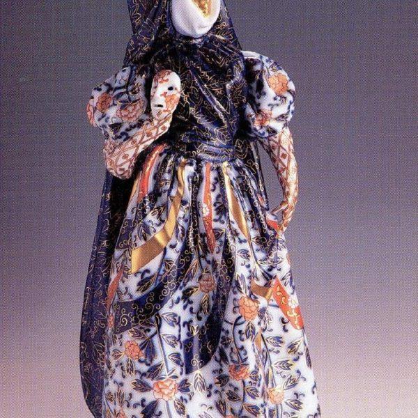 Renaissance woman in shawl