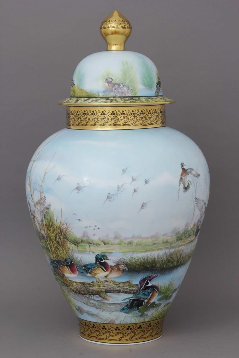 Vase, button knob . Limited to 25 pcs.