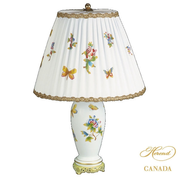 Lamp vase with shade - Queen Victoria