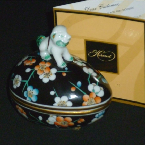 Bonbon w. foo dog - Black Plum
