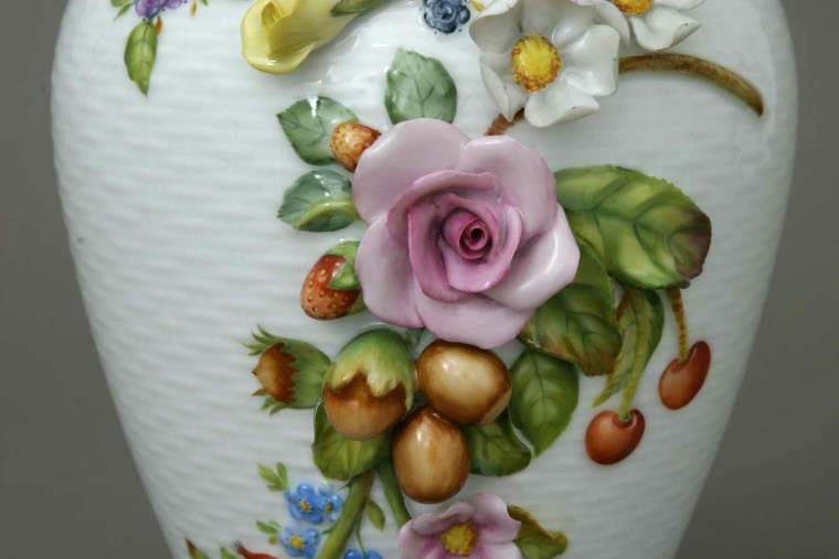 Vase with 3 dimension flowers