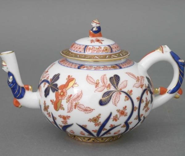 Teapot, mandarin handle - Canton