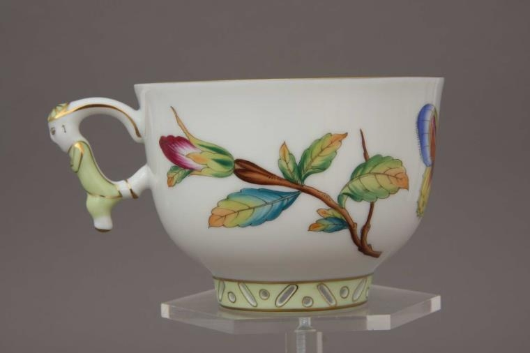 Teacup and Saucer, mandarin handle - GRUE