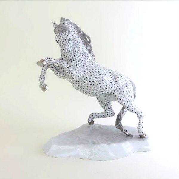 Prancing Horse - Platinum