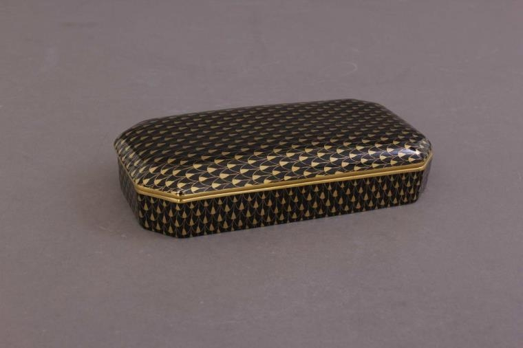 Rectengular Box - Fihsnet Black & Gold