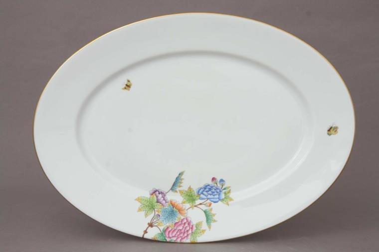 Large Oval dish - Petite Victoria