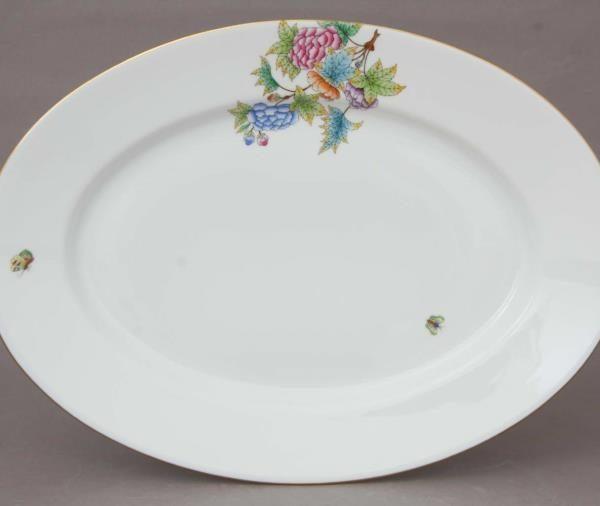 Medium Oval Dish - Petite Victoria