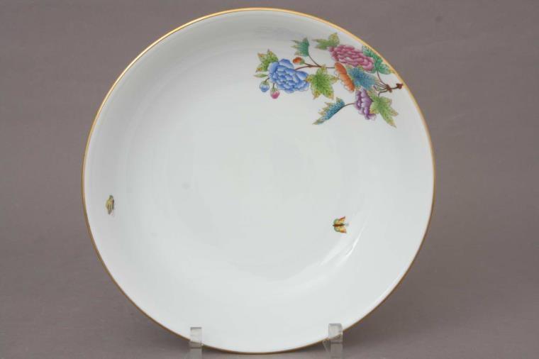 Round Dish - Petite Victoria