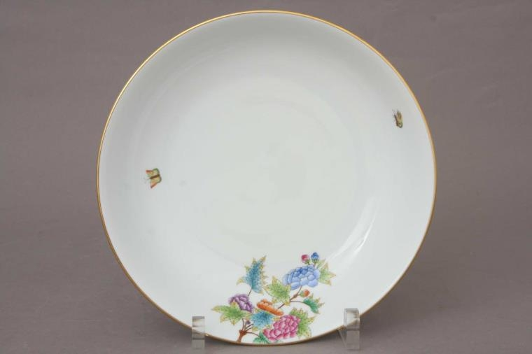 Round Dish, Medium - Petite Victoria