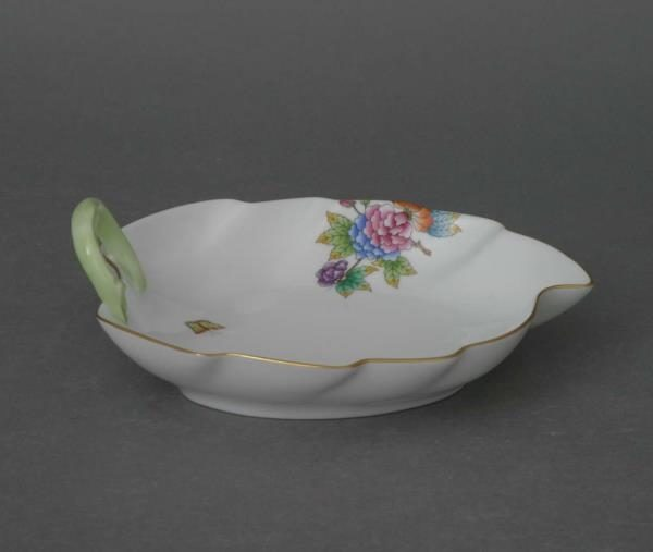 Leaf Dish - Petite Victoria