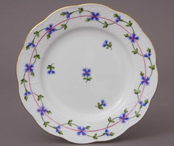 bread-and-butter-plate-petite-blue-garland