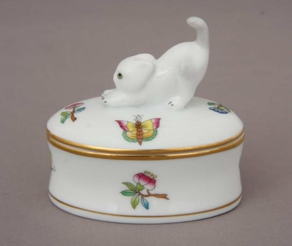 fancy-boxstretching-cat-finial-mini-victoria
