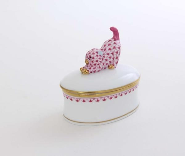 fancy-boxstretching-cat-finial-fishnet-pink