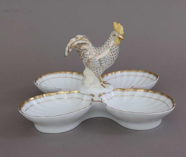 Four fancy dish, with bird - Queen Victoria