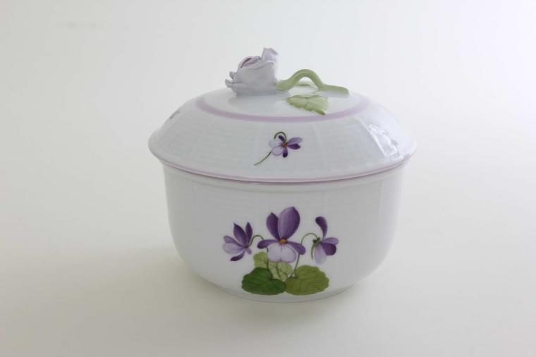 Sugar basin, rose knob - Queen Victoria