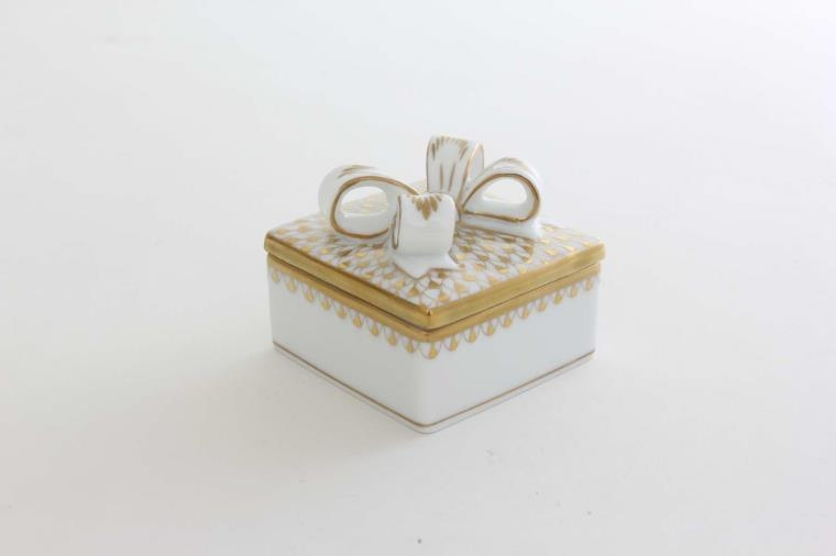 Herend Box with Bow - Fishnet Rust