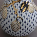 Fishnet Royal Blue Plum - Vase, embossed