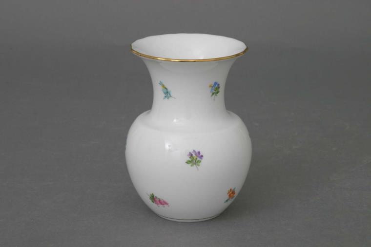 Hand painted Herend Kimberly curvy vase with flower patterns.