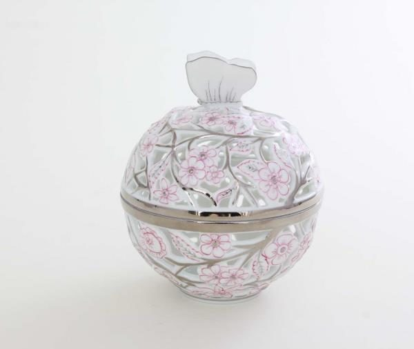 06214-0-17 CPTP Bonbonniere, open-work, Butterfly knob - Platinum Pink Hand cut and hand painted in Herend Porcelain Manufactory. Comes with gift packaging and certificate.