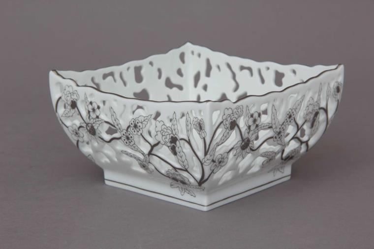 07367-0-00 CPT Fancy Dish, Dense VBO Piercing - Platinum