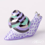 Small Snail is painted in Vieux Herend (VHL) Lilac / Purple Fish scale and Platinum design.