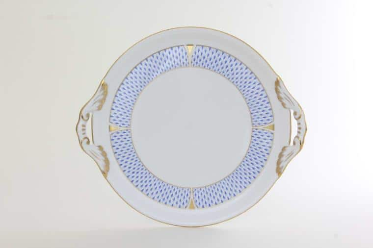 Cake Plate - New Fishnet Blue Diameter: 32.5 cm * 28.5 cm Handpainted with Herend's brand new Fishnet decor with 24k gold accents - Available in pink, rust, green, black, butterscotch as well!
