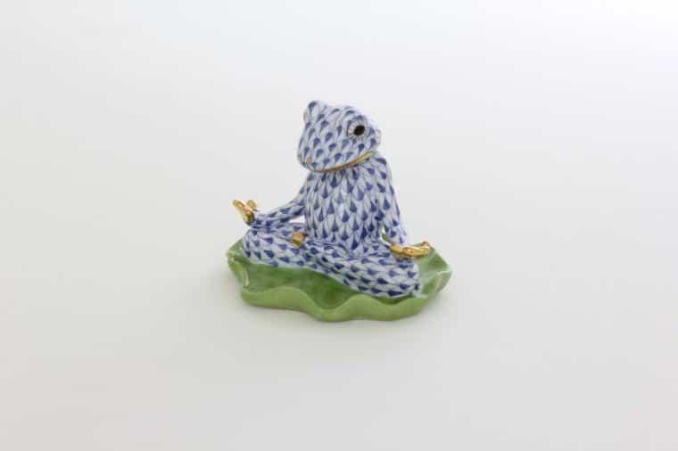 05793-0-00 VHFB Herend Yoga Frog Navy Blue