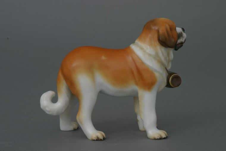 15871-0-00 MCDSt. Bernard dog - Matt Natural Animal Dog Figurine - Matt Natural decor - comes with gift box + certificate of origin