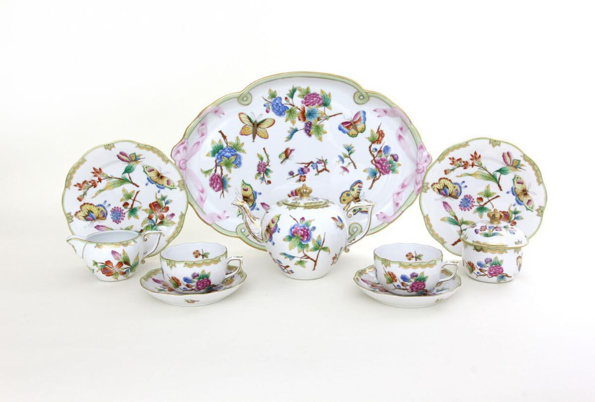 Crown of Queen Victoria Limited Edition Tea Set