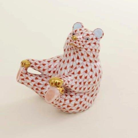 Herend-Beart-Figurine-Holding-Feet--05736000VH